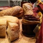 Provando o queijo mara que ganhei do Capril do Bosquehellip