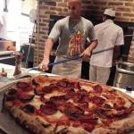 Noite de pizzas com o Chef norteamericano Carlo Mirachi ehellip